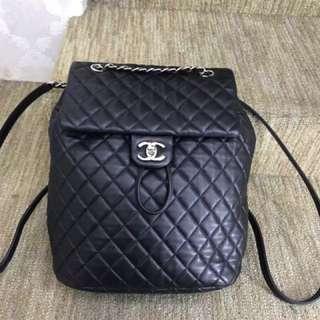 Chanel 黑色全皮菱格雙肩包✔️超好用哦 好價