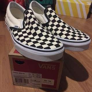 Chekerboard Vans slip on