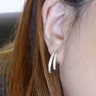 33 份 鑽石耳環一隻