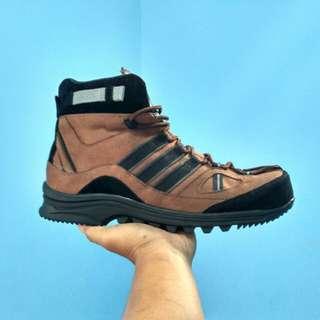 sepatu boots safety adidas travking obytrex