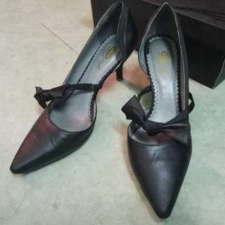 [85%New]Black Leather Ribbon High Heels黑色尖頭蝴蝶高跟鞋