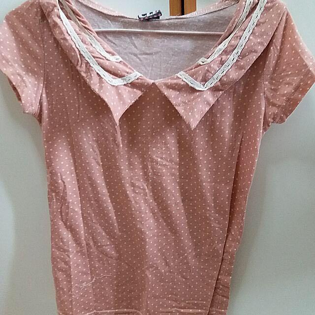 粉紅色點點上衣