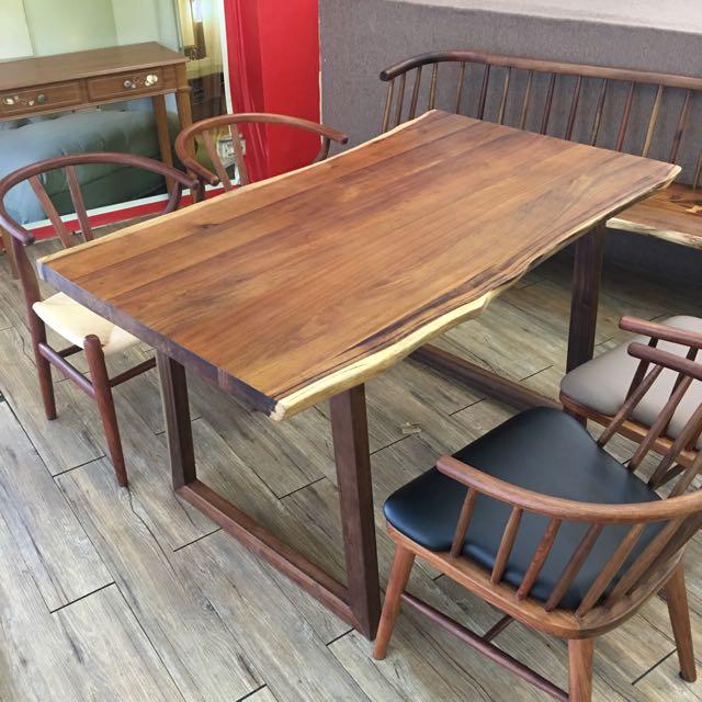 北美胡桃木自然風餐桌