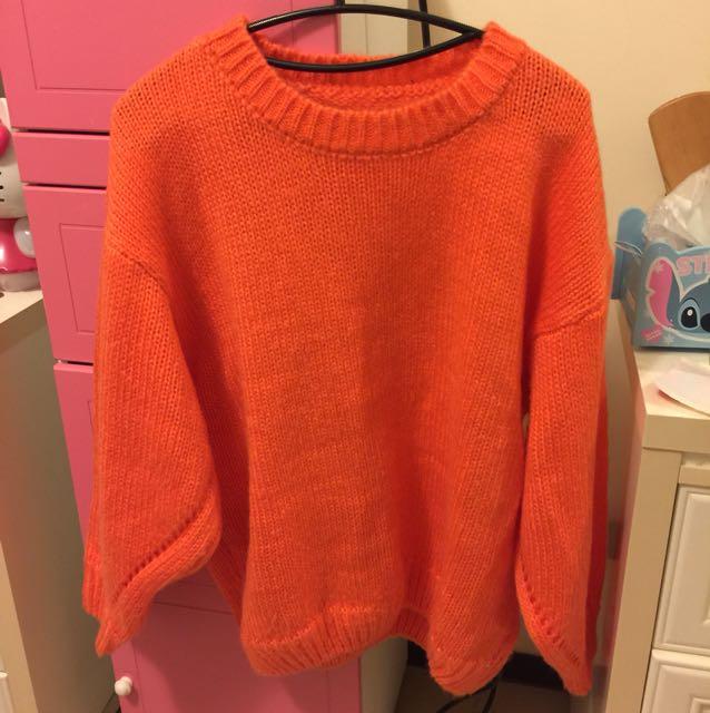 正橘色毛衣