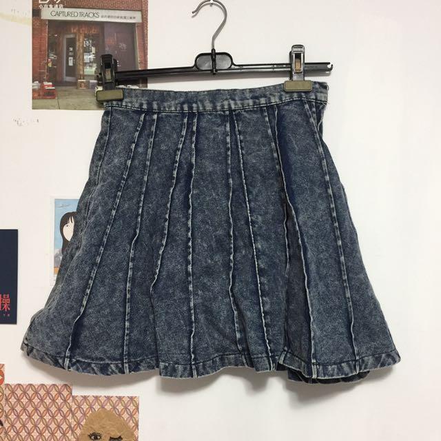 辣妹の牛仔短裙
