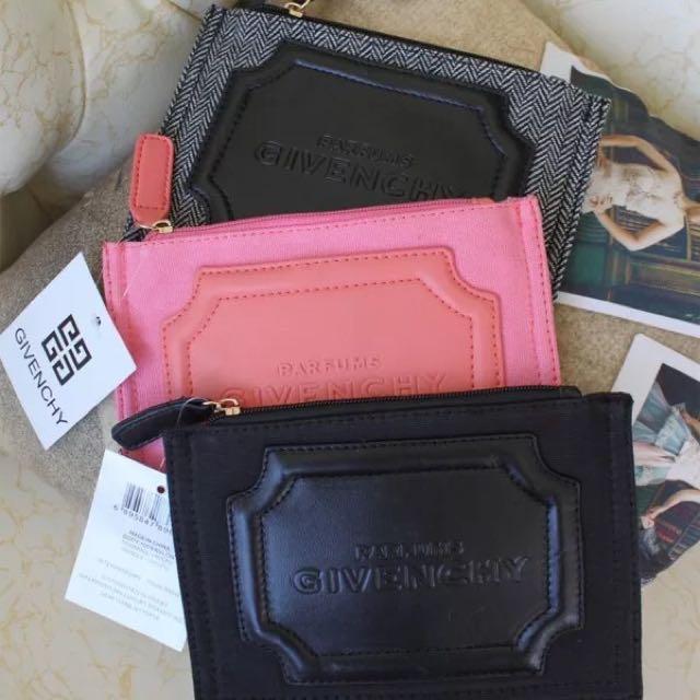 化妝包。零錢包。收納
