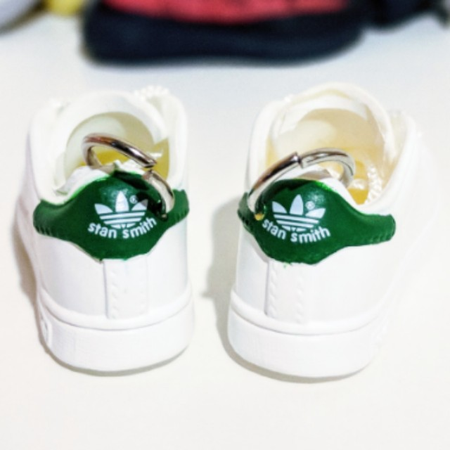 wholesale dealer 4a0ee a2303 Adidas Stan Smith Green Keychain Set + Box + PaperBag + ...