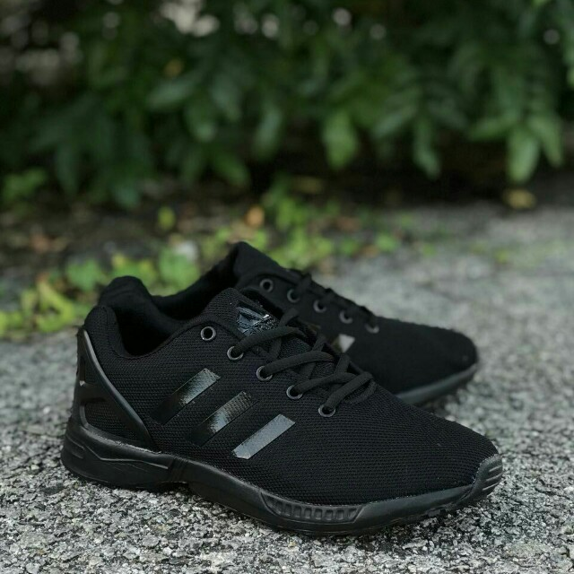 finest selection c9eea 33f21 Adidas ZX Flux All Black