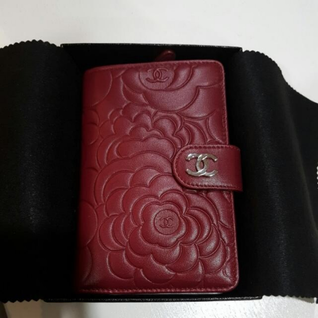 BNIB Authentic Chanel Wallet ( L - PORTEFEUILLE )