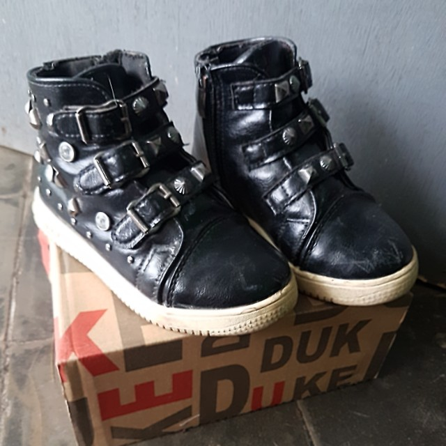 Boots Anak size 29