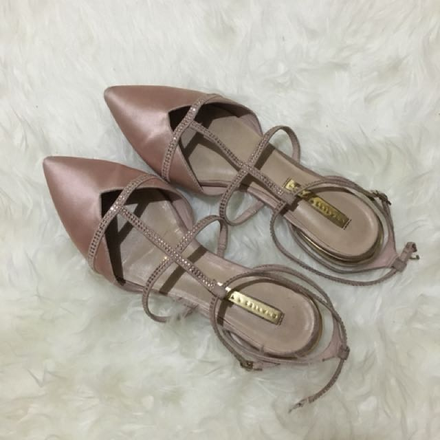 Charles&Keith pink victoria