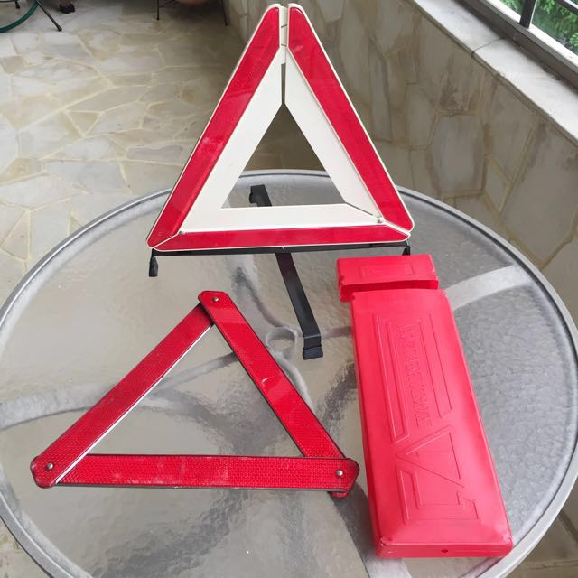 Foldable portable compact hazard signs for car breakdown