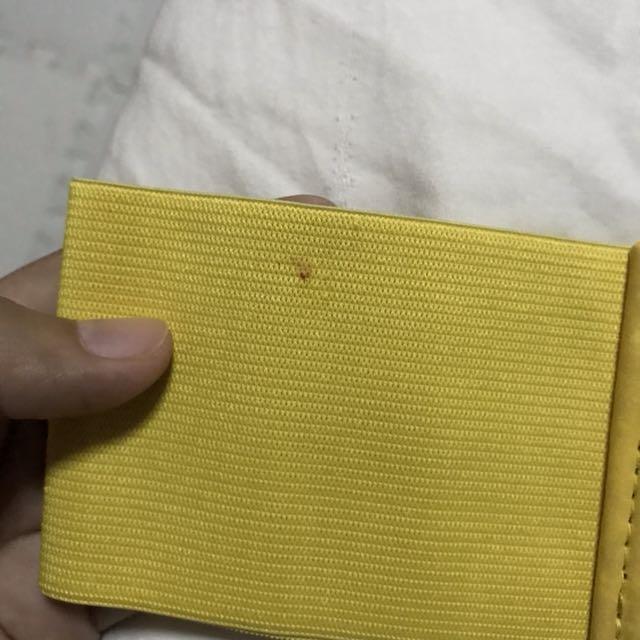 Garterized yellow belt