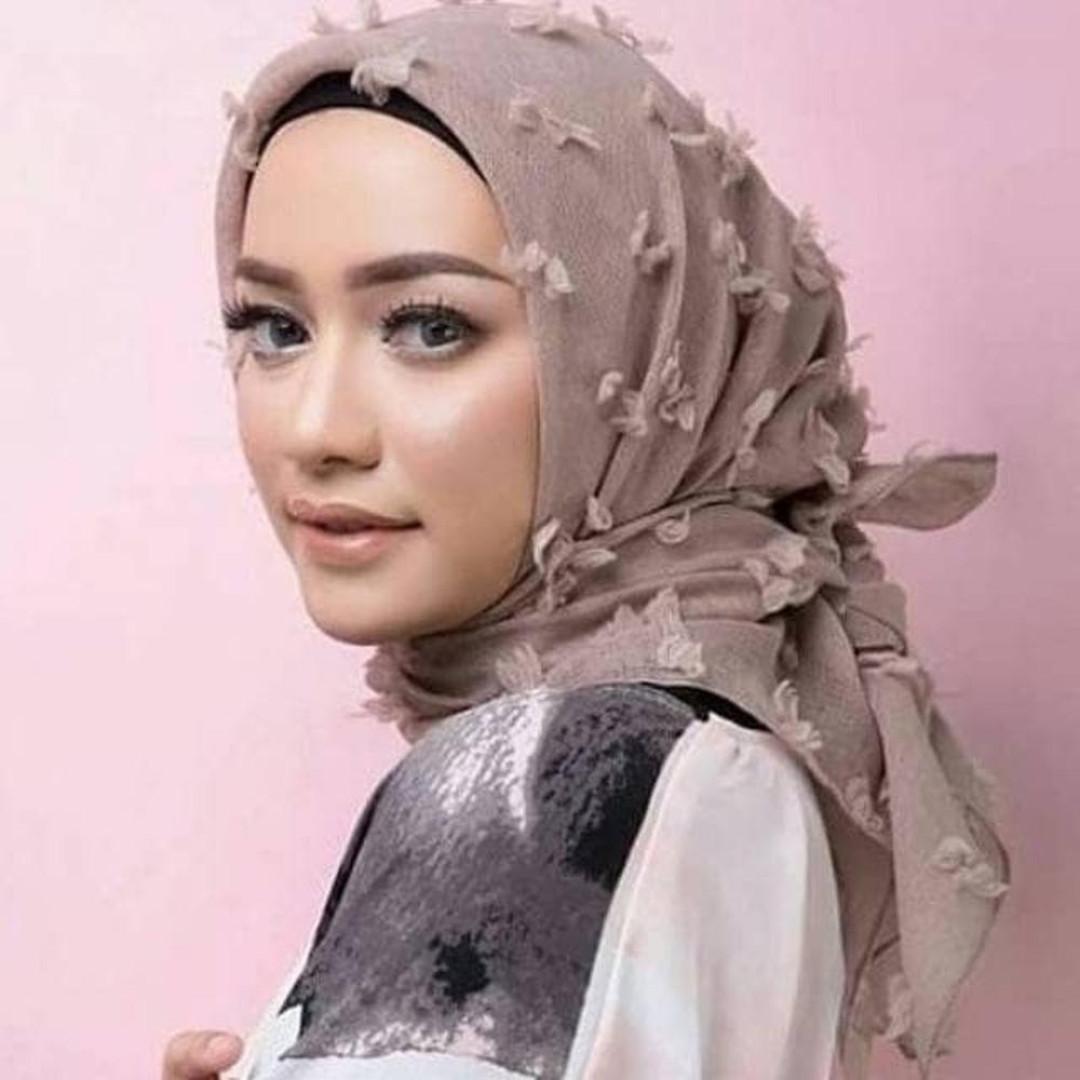 Jilbab Kerudung Segi Empat Ruby Murah Baby Pink Daftar Harga Atteenahijab Aulia Halimah Orange Square Segiempat Linen Rubiah Olshop Fashion Muslim Di Carousell