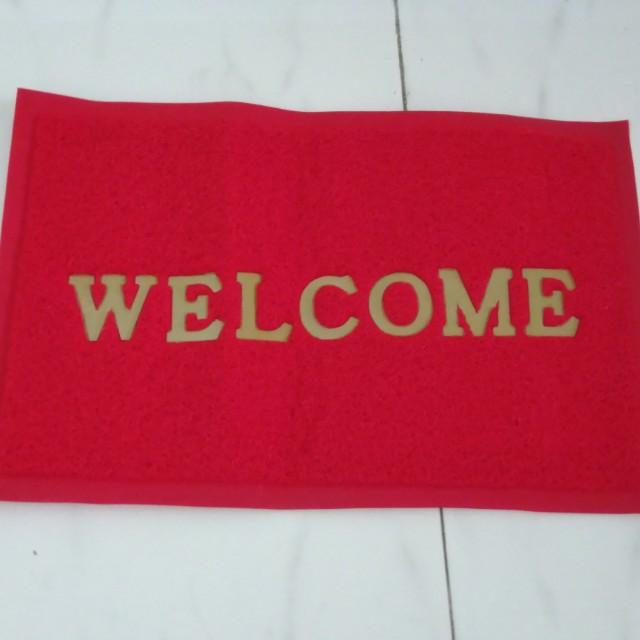 Keset welcome warna merah
