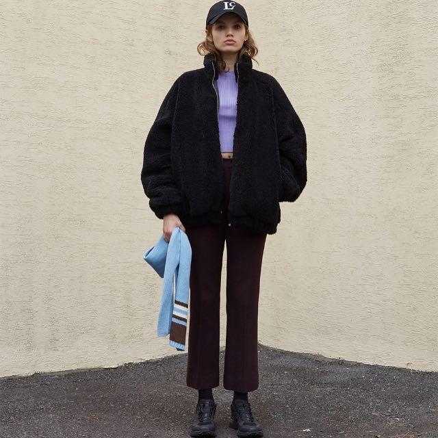 Low classic 黑色立領毛絨外套