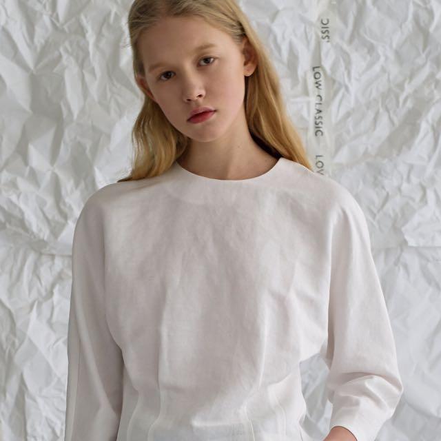 Low Classic 後拉鍊式白色上衣