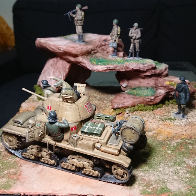 North Africa, 1941 - Italian soldiers & tankers in 1/35 Scale Display Diorama