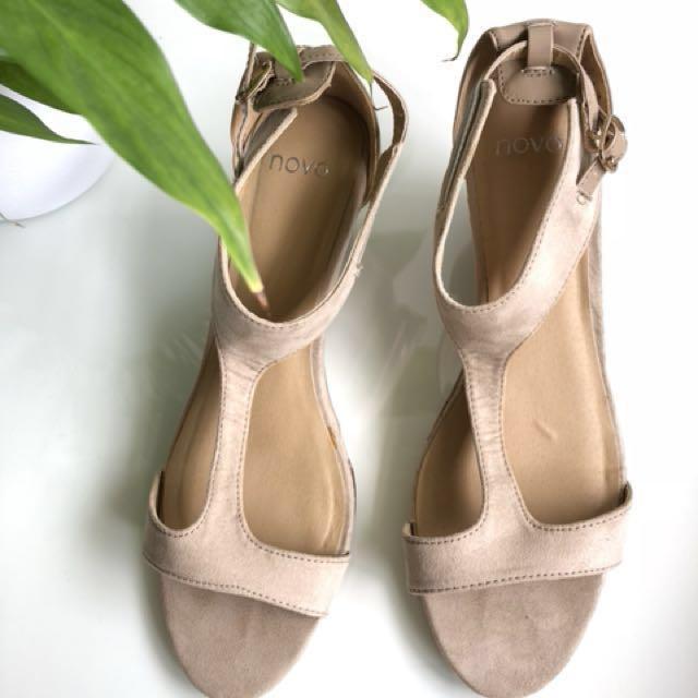 Nude Heels Size 7 RRP $70!!