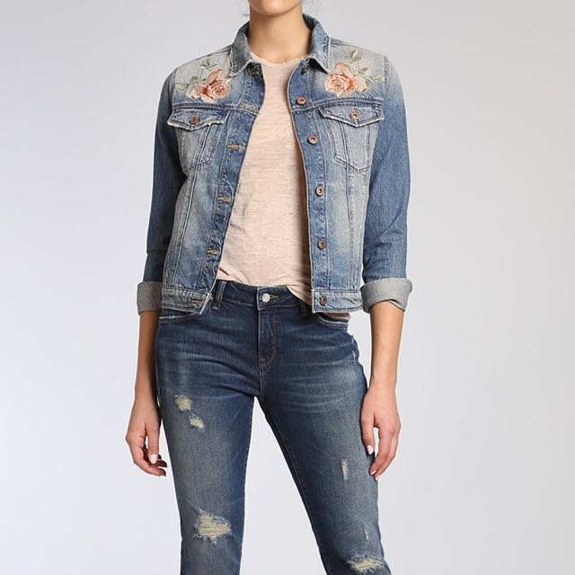 NWT Mavi Jeans Rose Embroidered Denim Jacket in Size M