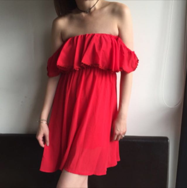 Off shoulder chiffon dress