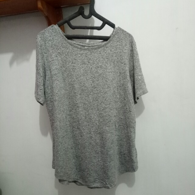 Old Navy Grey T-shirt