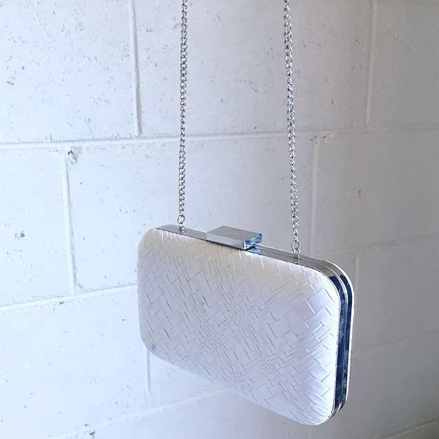 Olga Berg Clutch Chain White