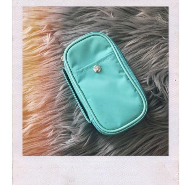 Retro turquoise makeup bag ✨