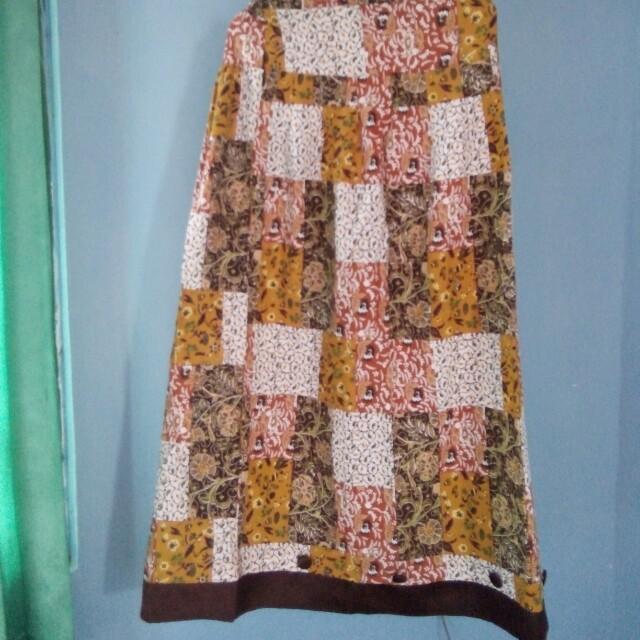 Rok Batik Pendek