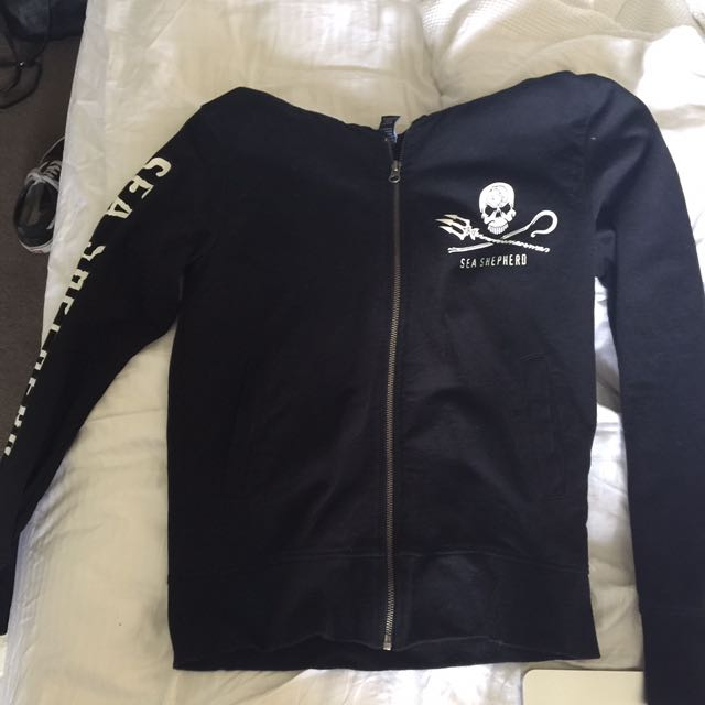 Sea Shepard jumper