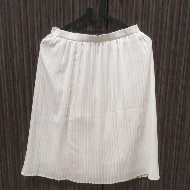 SHOPATVELVET pleated skirt