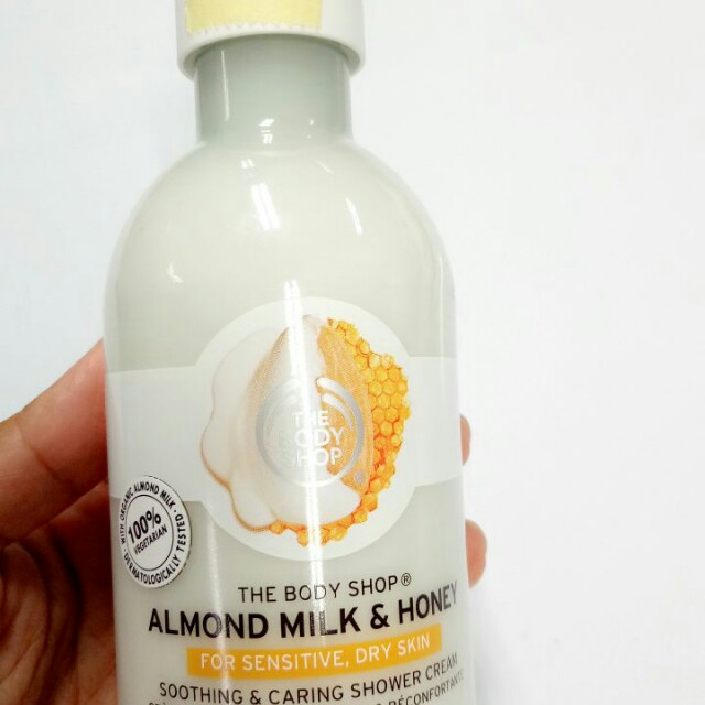 The Body Shop - Almond Milk & Honey Body Bath