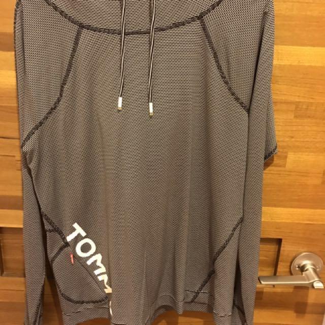 Tommy Hilfiger 運動機能長袖帽衫