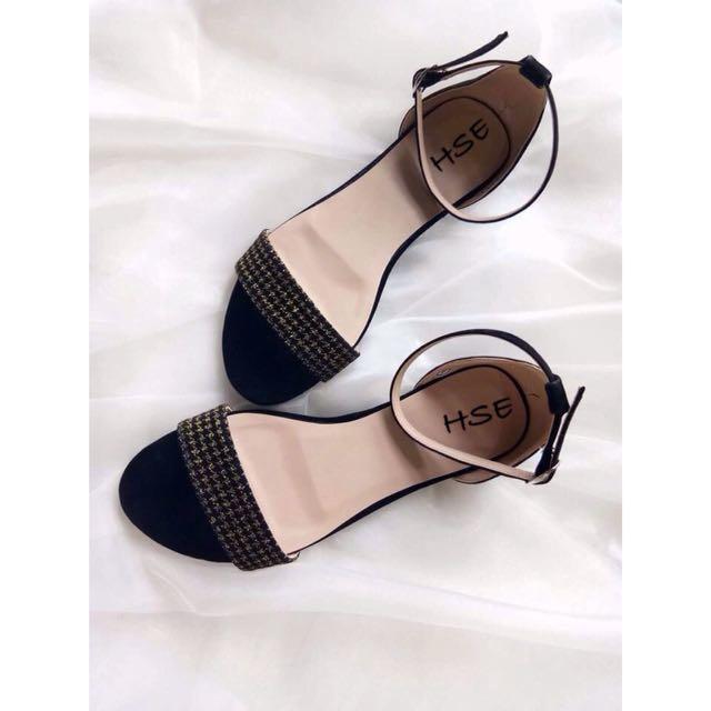 VANNA Flat Sandals
