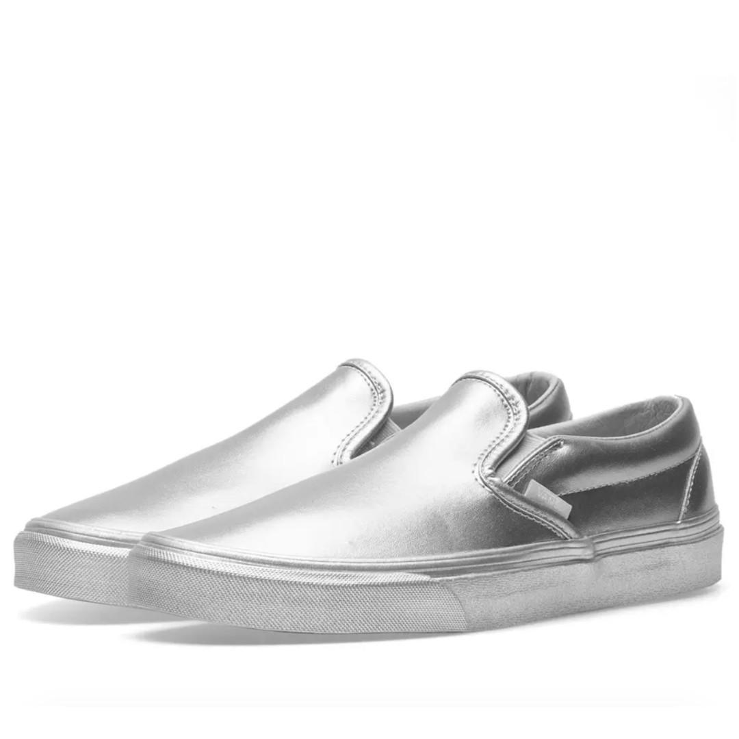 2f2a48a6b9d05 VANS CLASSIC SLIP ON METALLIC SIDEWALL SILVER, Men's Fashion, Footwear,  Sneakers on Carousell