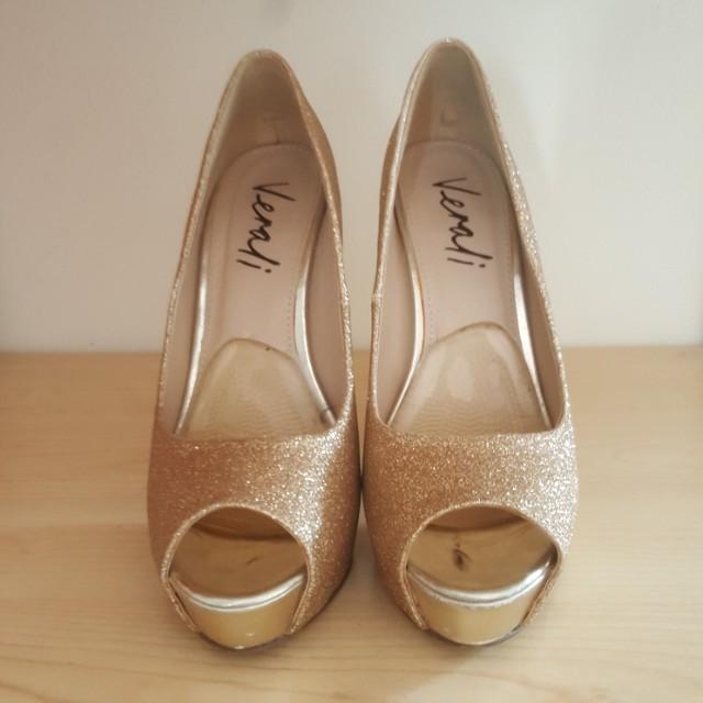 Verali Jocosa2 Gold Glitter Platform Peeptoe heels size 7