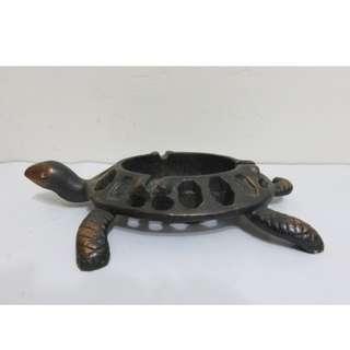 早期收藏金屬製老烏龜菸灰缸