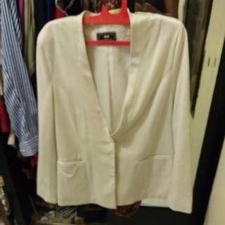 New Blazer Putih
