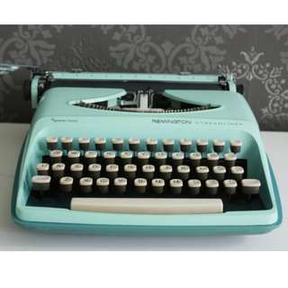 Sperry Rand Remington Typewriter in Tiffany Blue