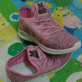 Sport shoe / Kasut sukan