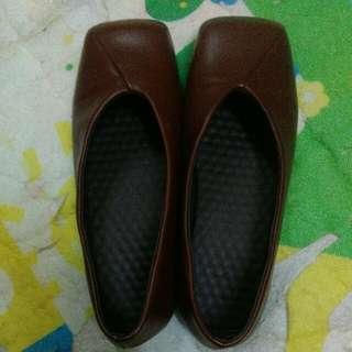 Shoe/ kasut