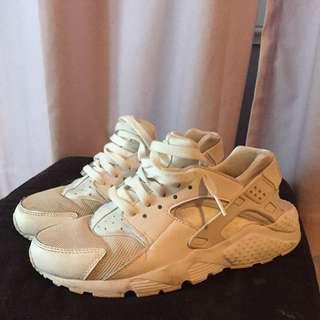 huaraches 8.5 white