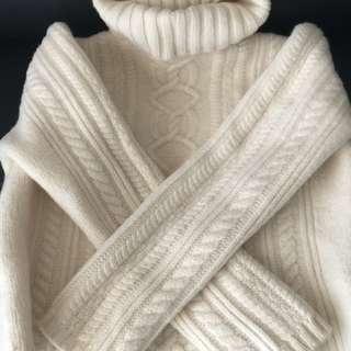 XS Cream Sweater