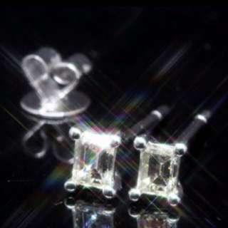 全新18K白金34份簡約4爪罕有長方型鑽石耳環一對