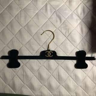 Hanger chanel