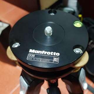 Manfrotto 338 Levelling Base Tripod