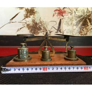 Vintage Weighing Scale