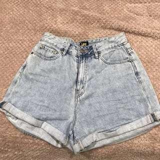 Lee high waisted denim shorts size 8