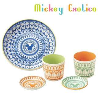 Mickey Mouse cup and plate set
