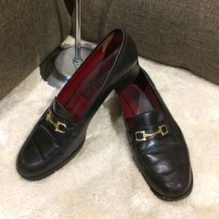 Authentic Ferragamo Shoes size 8